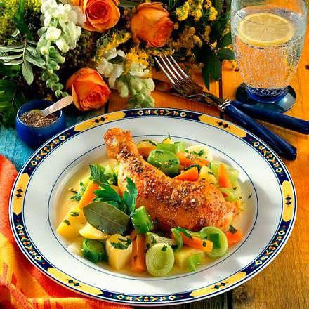Hähnchenkeulen auf Bouillon-Gemüse Rezept