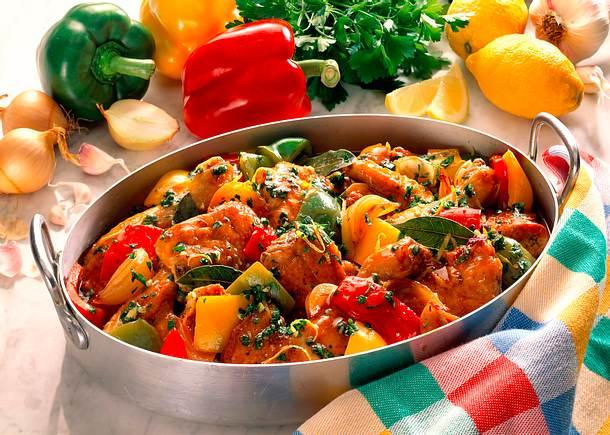 Hähnchenteile mit Paprika- Gemüse Rezept
