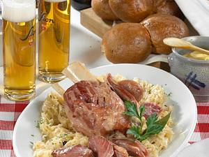 Hämmcher met Kappes (Eisbein mit Sauerkraut) Rezept