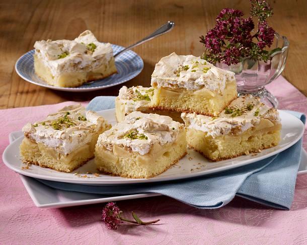Haferflocken-Apfelblechkuchen mit Baiser und Pistazienkernen Rezept
