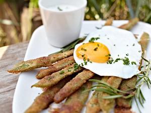Hamburger Schnitzel von der grünen Bohne mit Sylter Landei Rezept