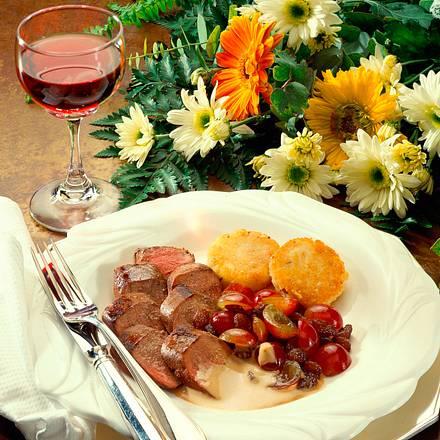 Hasenfilet mit Rosinen-Traubensoße Rezept
