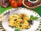 Hauchdünne Bandnudeln mit getrockneten Tomaten Rezept
