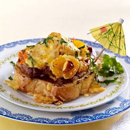 Hawaiitoast de luxe mit Aprikose & Schnitzel Rezept