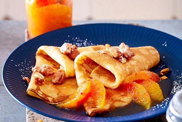Orangen-Crêpes mit gebrannten Mandeln Rezept