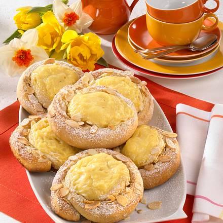 Hefe-Pudding-Schnecke Rezept