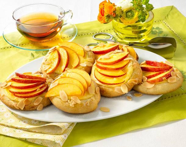 Hefe-Puddingteilchen mit Nektarinen (Diabetiker) Rezept