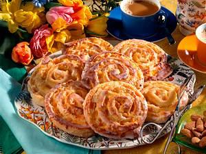 Hefeschnecken mit Marzipan-Aprikosenfüllung Rezept