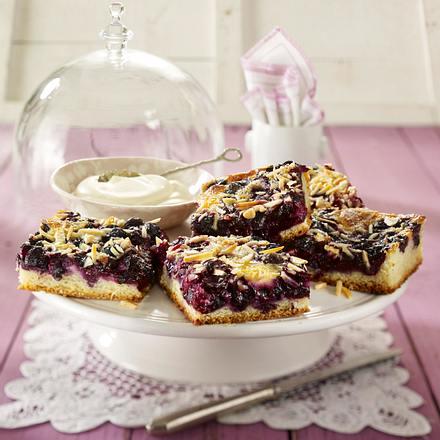 Heidelbeer-Butterkuchen mit Eier-Schmand-Vanille-Guss Rezept