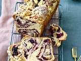 Heidelbeer-Marzipan-Hefekuchen mit Mandelstreuseln Rezept