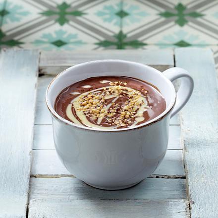 Heiße Schokolade mit Espresso und Haselnusskrokant Rezept