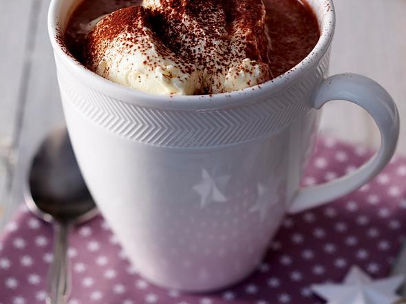 Heiße Schokolade mit Marzipanlikör Rezept