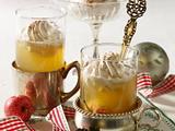 Heißer Apfelpunsch mit Sahnehaube Rezept