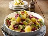 Herbstlicher Kartoffelsalat mit Nuss-Vinaigrette Rezept