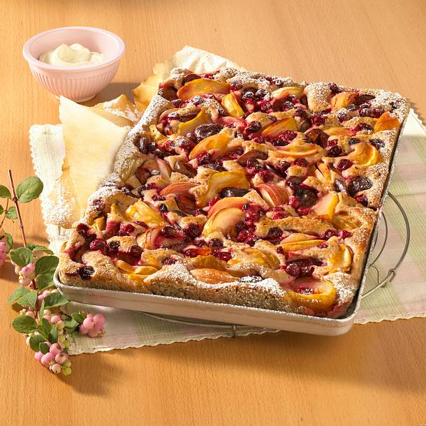 Herbstlicher Rotweinblechkuchen mit viel Obst Rezept