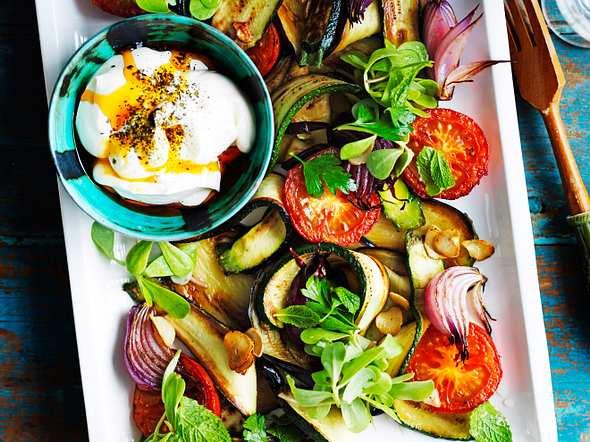 Herbstsalat aus geröstetem Gemüse Rezept