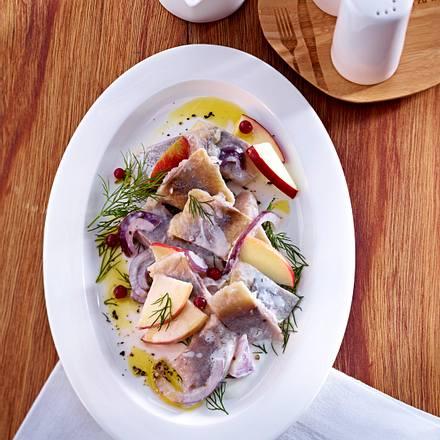 Heringssalat mit Matjesfilet und Joghurt-Dressing (Mittag Diät) Rezept