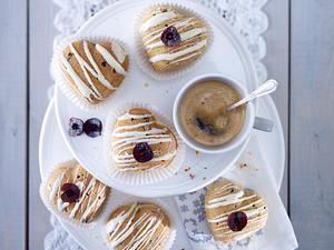 Herz-Muffins mit Amarenakirschen und Schokostückchen Rezept