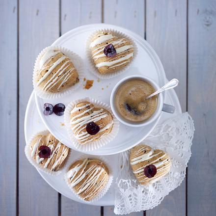 herz muffins mit amarenakirschen und schokost ckchen rezept chefkoch rezepte auf. Black Bedroom Furniture Sets. Home Design Ideas