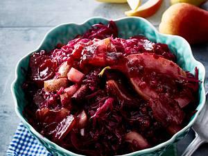 Herzhafter Rotkohl mit Birne und Speck Rezept