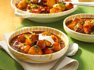 Herzhaftes Wurst-Kartoffel-Gulasch Rezept