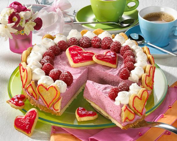 Herzige Himbeer-Quark-Torte Rezept