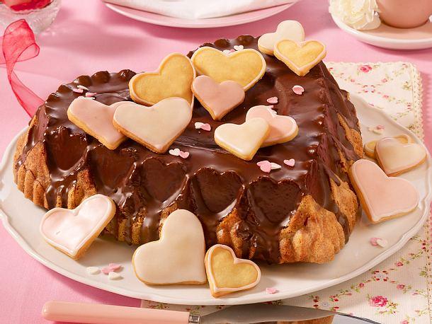 Herzkuchen mit Herzkeksen (Muttertag) Rezept