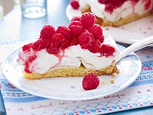 Himbeer-Baiser-Torte mit Sahnequark Rezept