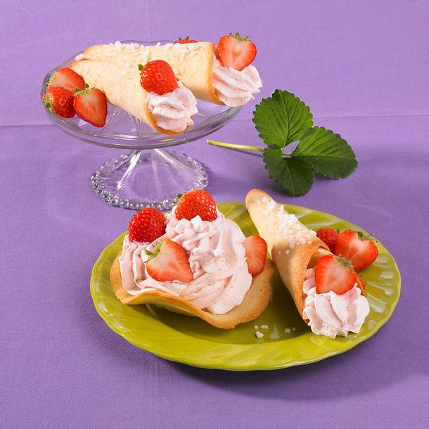 Hippenröllchen mit Erdbeeren Rezept