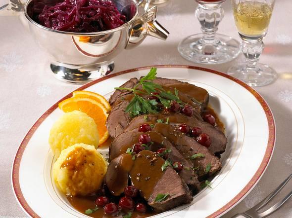 Hirsch-Sauerbraten mit Cranberries Rezept