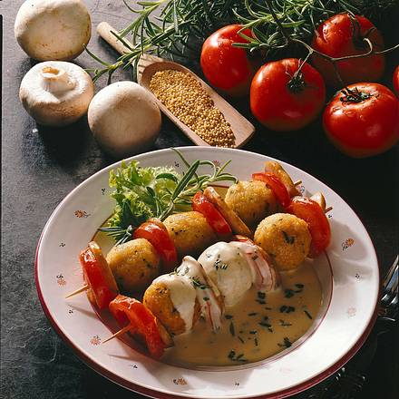 Hirse-Klößchenspieße mit buntem Gemüse Rezept