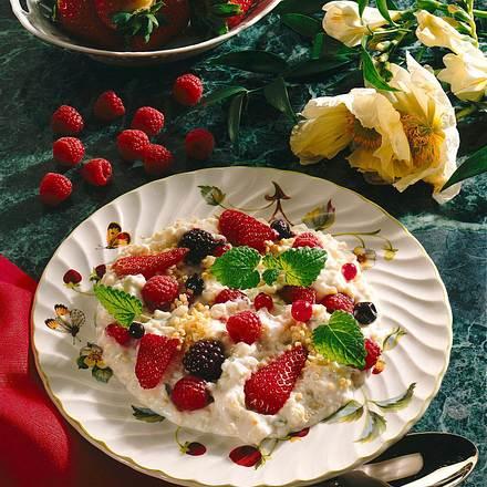 Hirsejoghurt mit Beeren Rezept