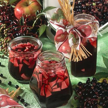 Holunderbeergelee mit Apfelstückchen Rezept
