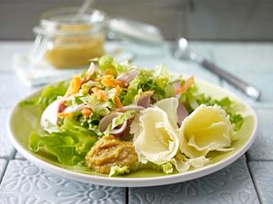 Holunderblüten-Senf zu buntem Salat Rezept