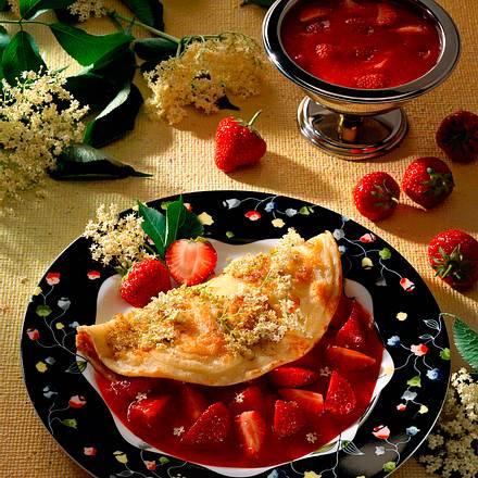Holunderblütenpfannkuchen mit Erdbeersoße Rezept