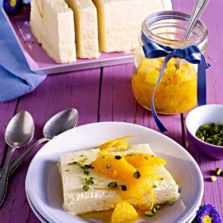 Honig-Parfait mit karamellisierten Orangenfilets und Pistazien Rezept