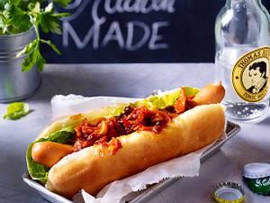 Hot Dog mit Zwiebelrelish Rezept