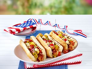 Hot Dogs mit Bratwurst Rezept