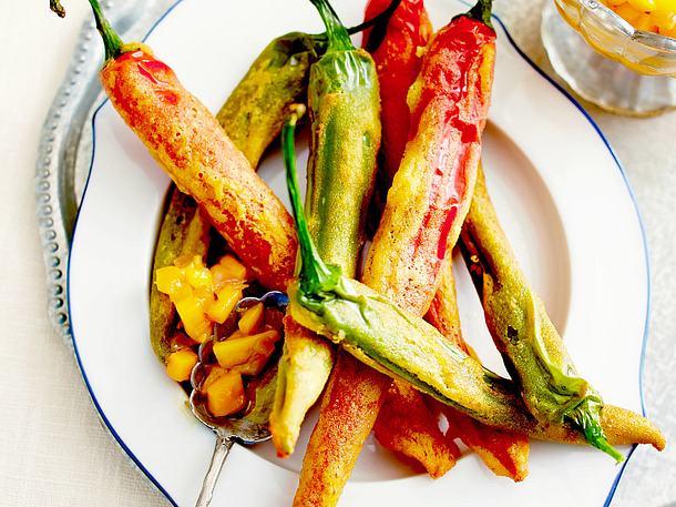 Hot Pepper Pakoras (Peperoni im Teigmantel) mit Mangochutney Rezept