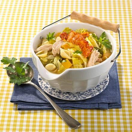 h hner nudel suppe rezept chefkoch rezepte auf kochen backen und schnelle gerichte. Black Bedroom Furniture Sets. Home Design Ideas