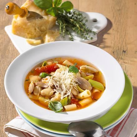 Hühner-Porree- Suppe mit Bohnen und Nudeln Rezept