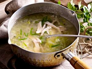 Hühnersuppe mit Porree Rezept