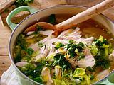 Hühnersuppe mit Reis und Frühlingsgemüse Rezept