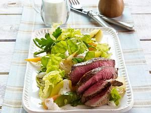 Huftsteaks mit Gemüsesalat Rezept