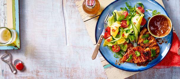 Huhn in Mose mit Gurken-Ananas-Salat Rezept