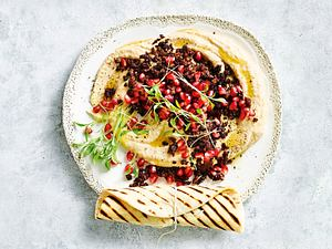 Hummus mit Hack und Granatapfel Rezept