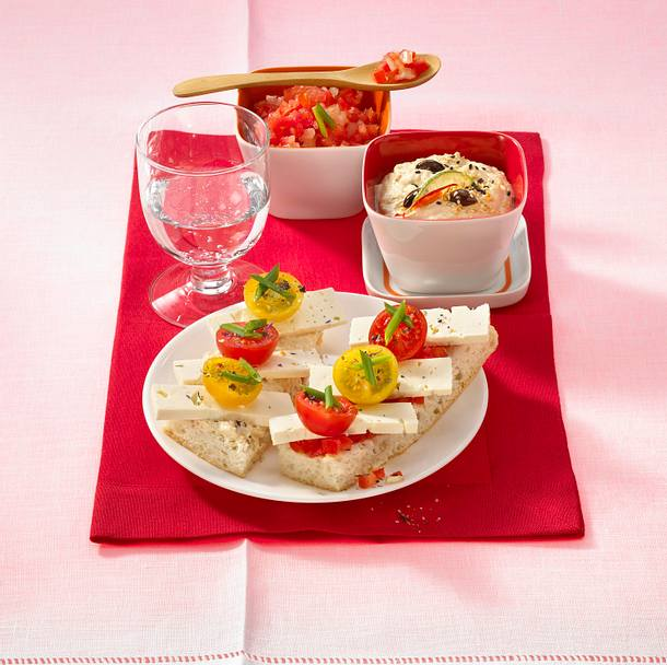 Hummus und feurige Tomatensalsa zu Fladenbrot Rezept