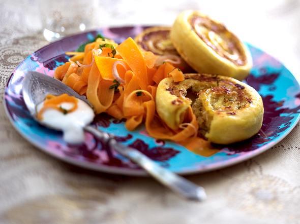Indische Kartoffelschnecken mit Möhrensalat Rezept