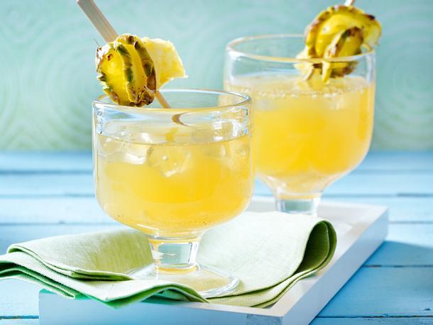 Ingwer-Ananas-Sprudel Rezept