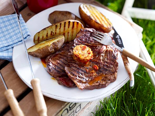 Irish-Coffee-Steaks mit Baked Potatoes Rezept